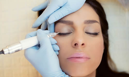 fdde85b4afe75 Dolores Srok is an owner of DS Permanent Make Up, permanent make-up center  in Rijeka, where she got good basics in esthetics and care as a beautician,  ...